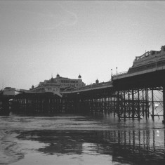 West Pier Brighton, 1970s. A black and white photo. | © Copyright Slbs and licensed for reuse under Creative Commons Attribution-ShareAlike 2.0